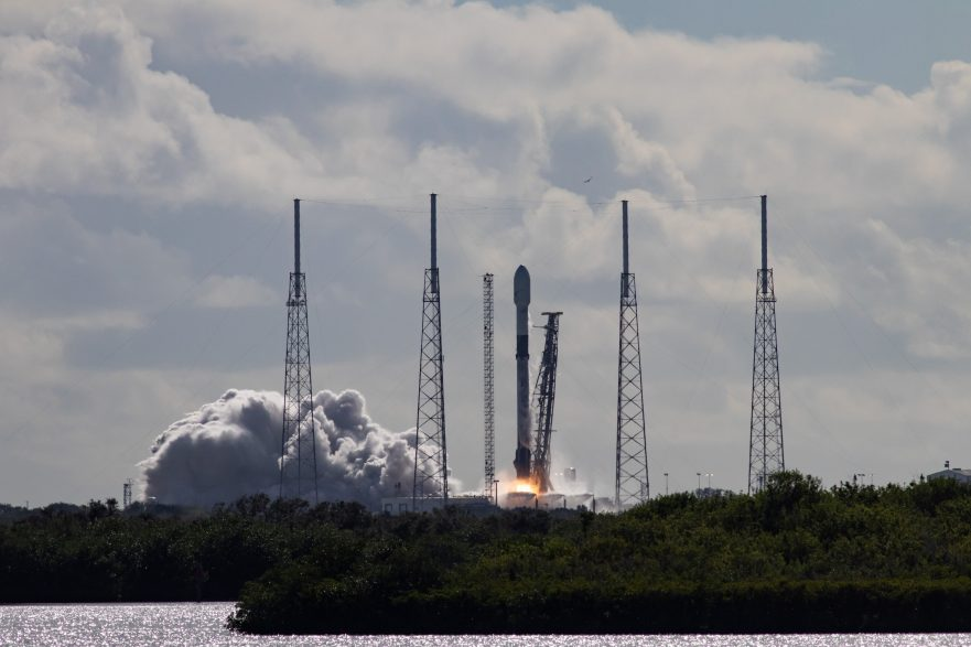 SpaceX, falcon 9, rocket, launch, space, florida, cape canaveral, SLC-40, LC-39, fire, clouds, smoke, starlink